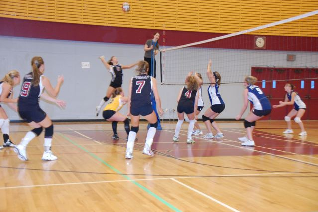 Sr. Girls V-Ball Action